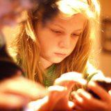 研究:手机上瘾会对大脑造成危害