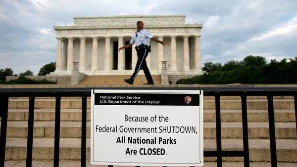 啊!美国联邦政府又要关门?!护照签证延迟、报税受影响,华人需注意这些...
