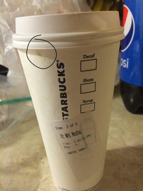 星巴克端出带血咖啡杯 被顾客起诉