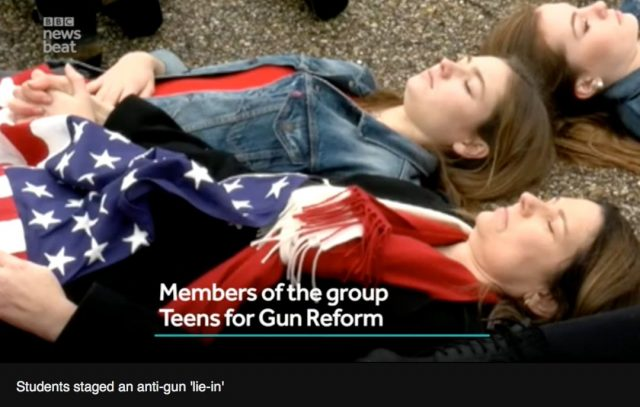 刚刚,佛州众议院否决控枪令!校园枪击案学生赴州府集会