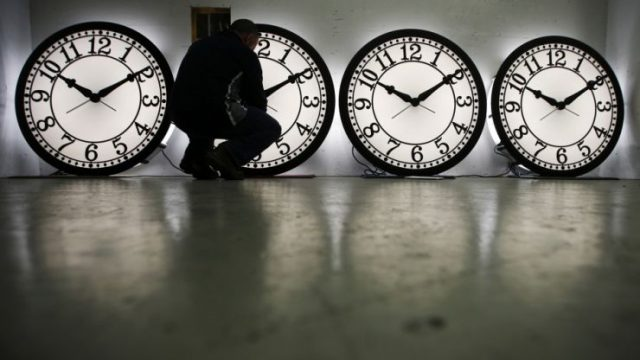 夏令时满百年了!本周日记得把时钟拨快1小时!