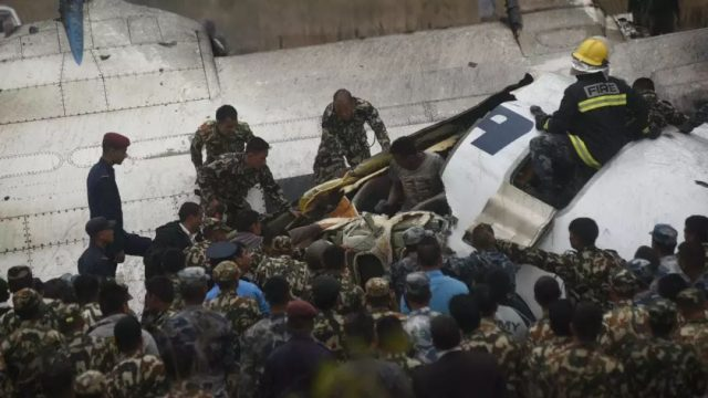 突发!一架载71人客机在尼泊尔坠毁,至少38人遇难
