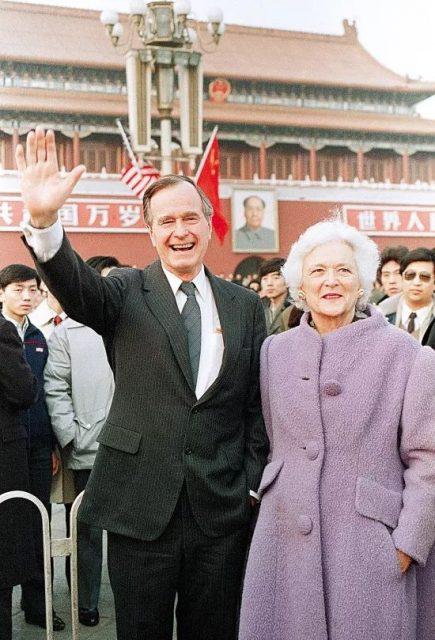 老布什妻子逝世,生前曾在中国有段奇幻之旅(图)