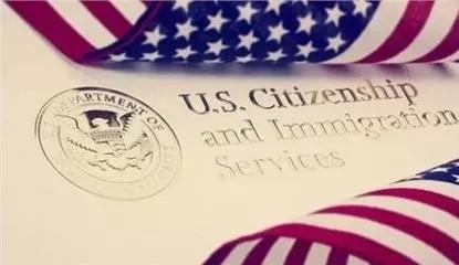 美国移民局又放大招!所有绿卡申请者均需面谈:无论庇护、婚姻、职业...
