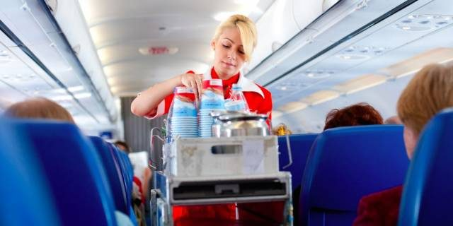 空姐为什么不喝飞机上的水?看完整个人都不好了……