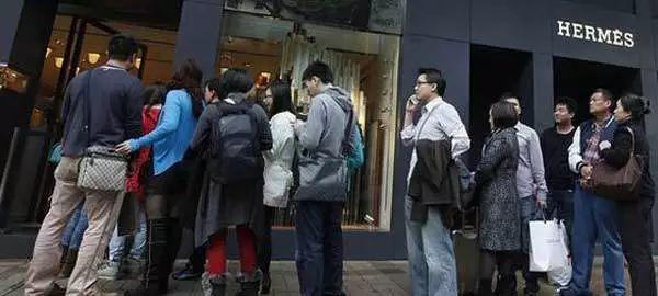 美国穷人比中国还多?又有很多人震惊了,膨胀了...