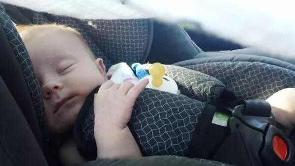 悲剧!9个月大孩子留在车里被热死 华人家长千万别大意!