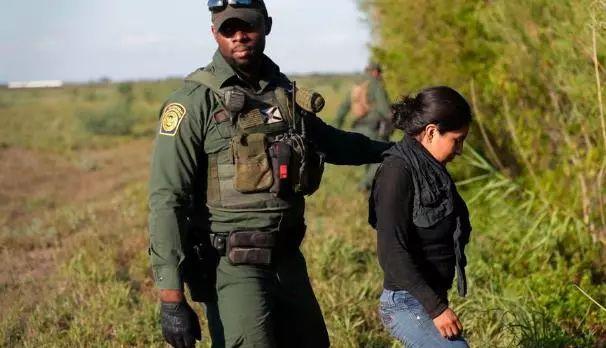 外卖郎送餐遭ICE逮捕!全美20个州,78城已获ICE授权