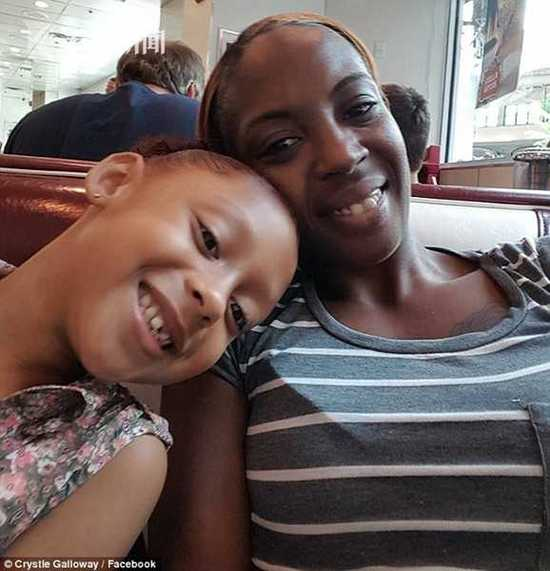 30岁产妇在家突发中风 遭急救人员嫌穷拒载身亡
