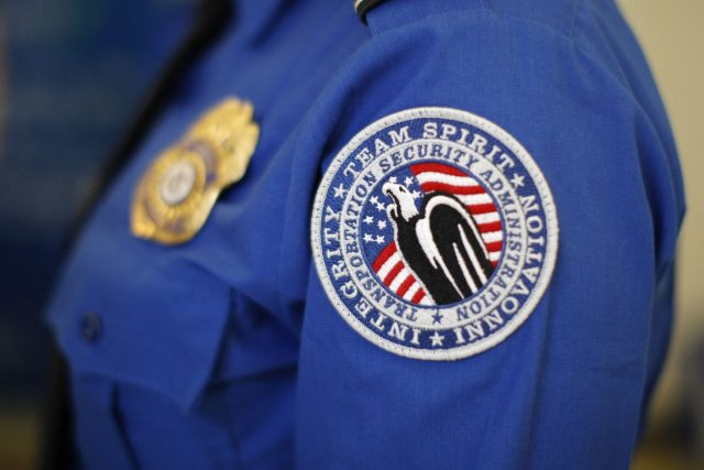 "TSA被曝多年来秘密监视乘客 飞行途中这些表现会被认为""可疑"""