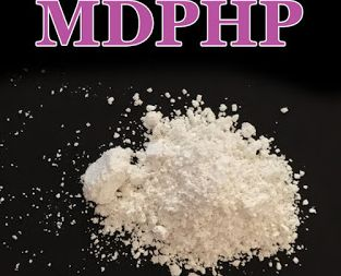 这不是浴盐!是致命毒品! 已经流入澳洲!误吸马上变丧尸!