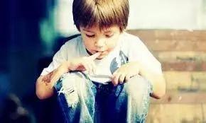 美国恐怖托儿所:对孩子下药捆绑关衣橱