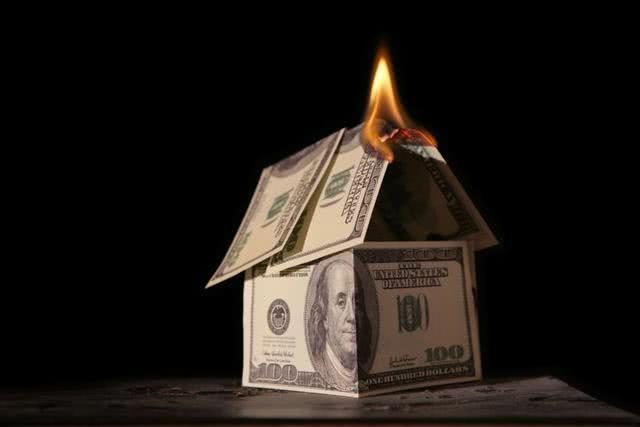 中国买家或提前从美国楼市撤离后,外媒:美国大萧条或不可避免