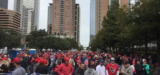 德州逾10万选民报名参加川普集会 有人提前26小时排队