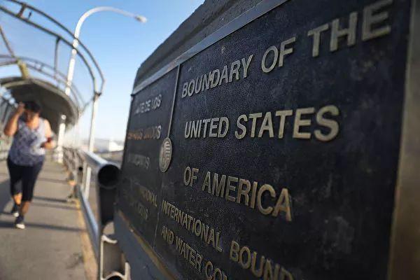 重锤! 美移民新规10月1日执行, 收到这个通知将被遣返...