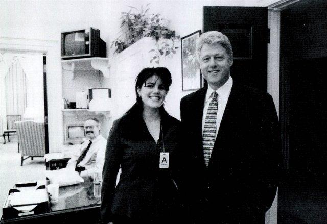 想自杀 她首次披露被迫出卖克林顿