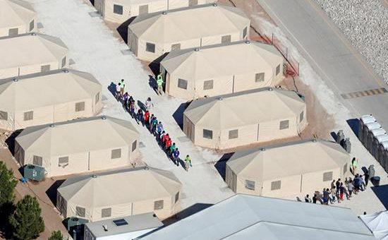 移民大军还没到美国 起诉特朗普的诉状已到华盛顿