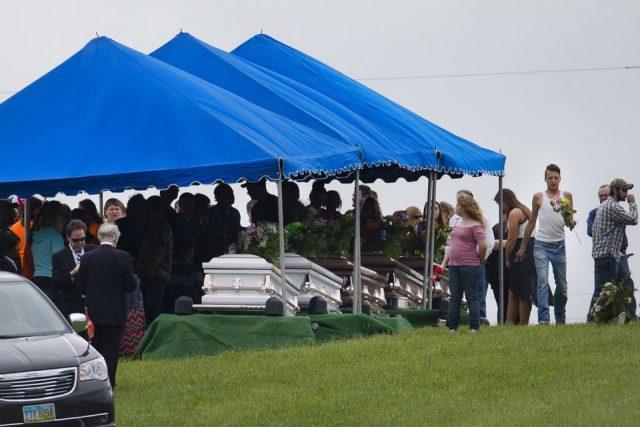 俄亥俄一家8口被杀案嫌犯逃亡两年后被捕 一家4口被控谋杀