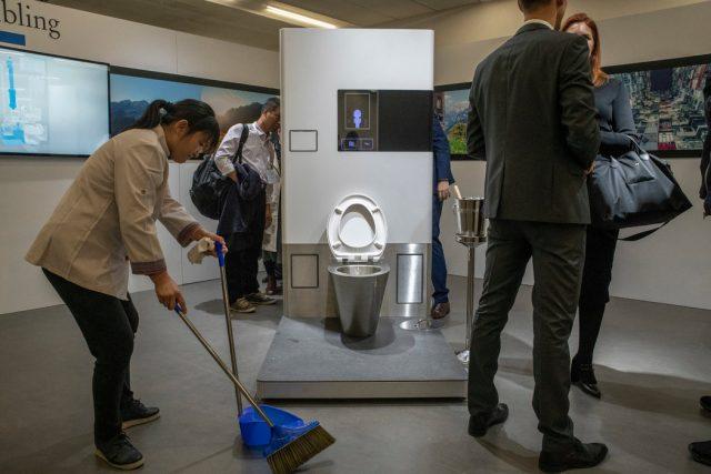 比尔·盖茨:世界需要更好的厕所 不再需要连接下水道