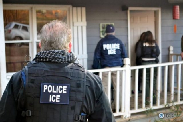 美国公民费城出生 他说ICE仍然拘留了他
