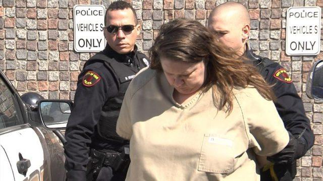 美国女子和男友吵架 压男友身上令其窒息而死