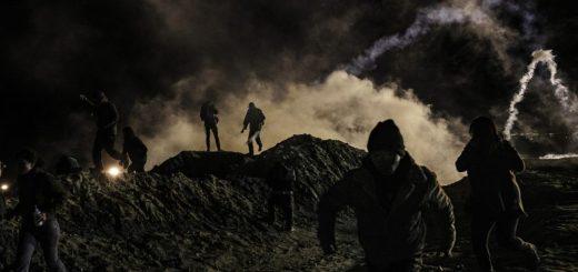 移民试图越过边境进入圣地亚哥 美国发射催泪弹