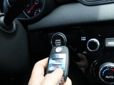 将遥控钥匙落在车里恐酿大祸! 偷车事件创8年来新高