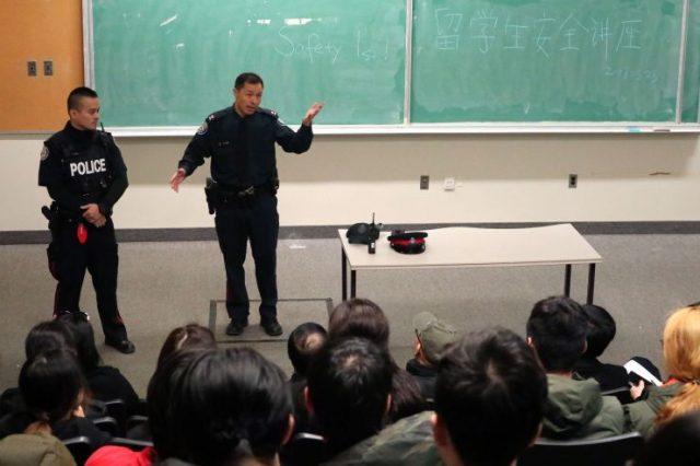 """中国留学生遇到精神健康问题 为何会因""""面子""""不就医?"""