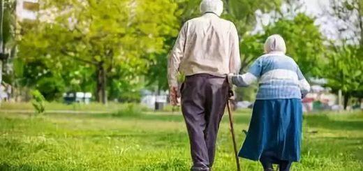移民就是不孝:回不去陪伴 接过来受罪!15%华裔老人想自杀 笑着流泪…