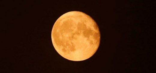 超级雪月现身 2019年最大超级月亮将照亮天空