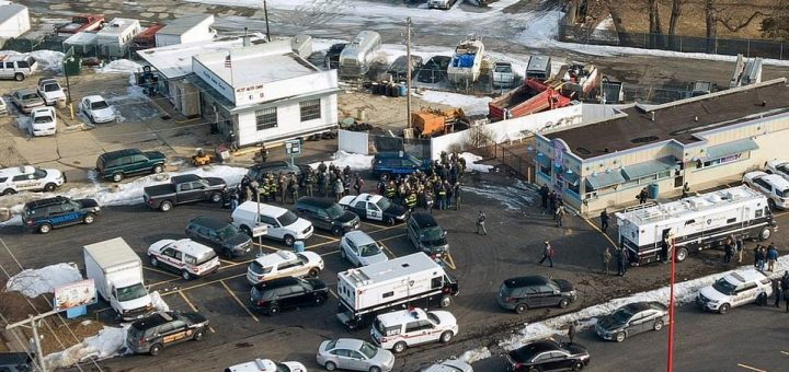伊州企业发生枪案 嫌犯被捕多人受伤入院