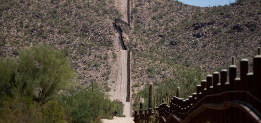 被判缓刑!只因在亚利桑那沙漠为移民留下水和食物