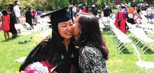 """将女儿送进哈佛 """"佛系""""妈妈和陪读妈妈的故事"""