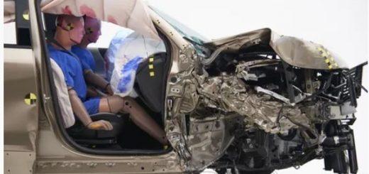 撞车时到底坐哪儿安全?你以为的是错的…