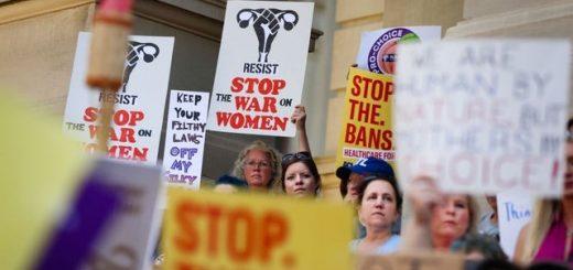 一天之内接连发生三件大事!各州堕胎权争执日趋激烈
