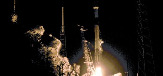 NASA首艘SpaceX载人飞船年内升空