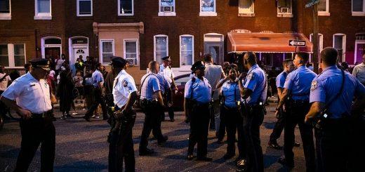费城突发枪案 警方与枪手对峙8小时后将其逮捕 6名警员中枪