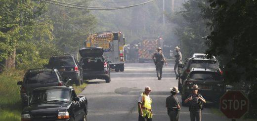 纽约上州小飞机撞民宅 酿两死多伤