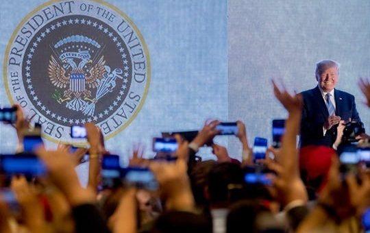 总统乌龙徽章设计者现身 三年前制作为嘲讽川普