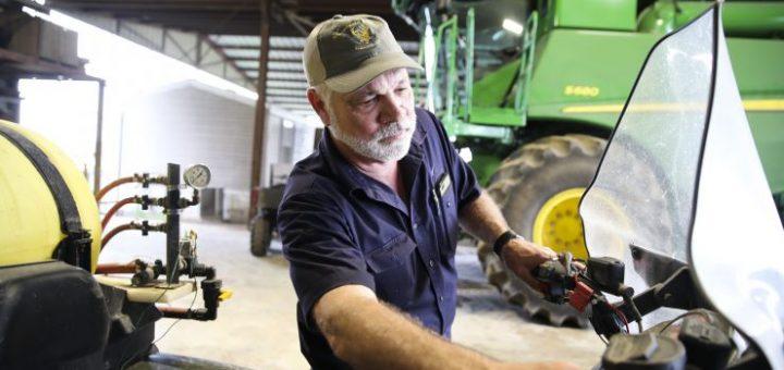 政府已发放84亿美元补助 但最富的农民领走了一半