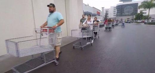 """多利安过境恰逢小长假 佛州居民抢购这些准备""""过节"""""""