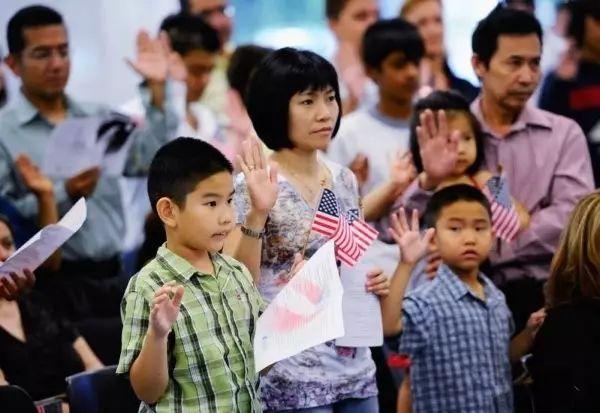 移民美国的中国人曝光美国的软肋,竟是...