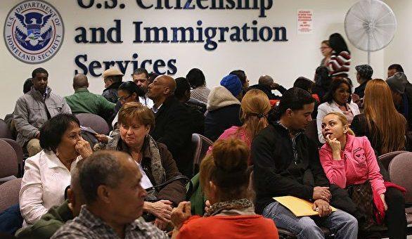 重磅!美移民局减免申请费用新规,12月2日生效