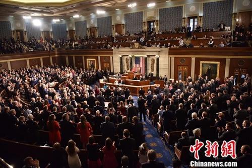 政府能否避免停摆危机?健保法案协商是关键