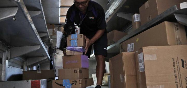 闹哪出?正值网购物流高峰期,Amazon却禁用Fedex