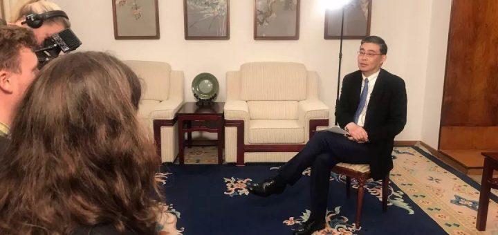 丹麦漫画借疫情辱华:首相、报纸傲慢回应后,中国大使反击!