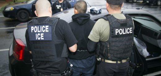 "ICE在加州法院逮捕两名""犯罪的外国人"" 被批""无法无天"""