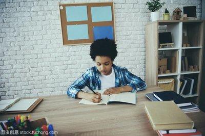 让孩子做作业毫无意义 而你应该这么做