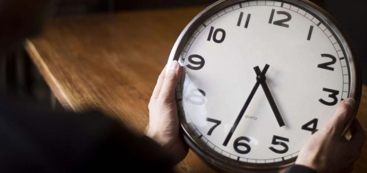 周日(8日)进入夏令时!时钟拨快一小时 少睡一小时