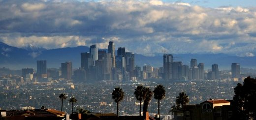 进入紧急状态的洛杉矶 国际马拉松比赛将如期举行